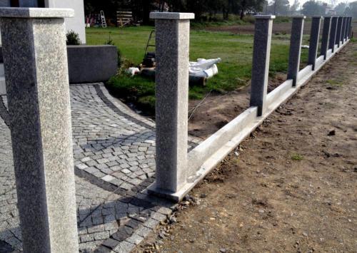 ogrodzenie  z granitu Strzegomskiego